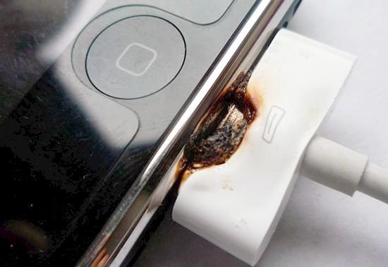 Что будет если заряжать айфон неоригинальной зарядкой