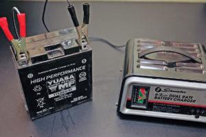 Зарядка аккумулятора 12В для мотоцикла
