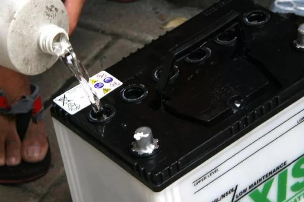долив воды в аккумулятор