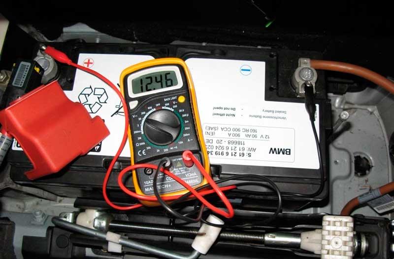 Источник тока напряжением 12 В