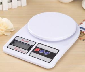 Блок из 2 элементов питания используется в кухонных электронных весах