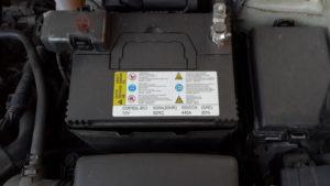 Порой автолюбитель находит нужный АКБ, но оказывается, что батарея не вписывается в габариты
