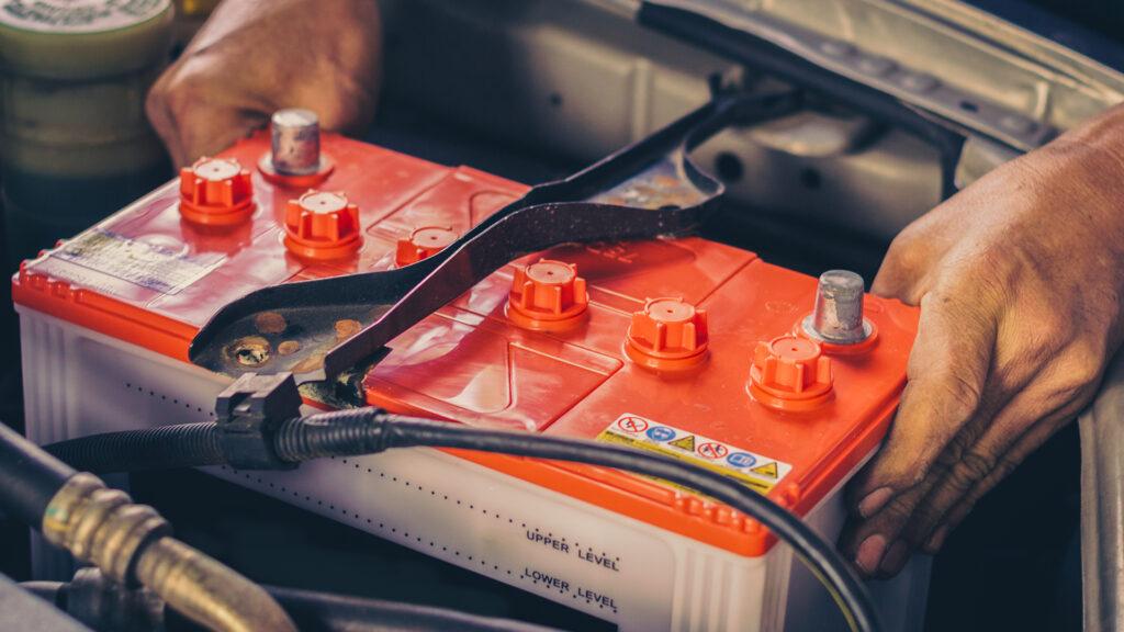 Как завести машину с севшим аккумулятором – способы и советы